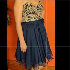 Dresses & Skirts - Navy blue homecoming/party night out dress